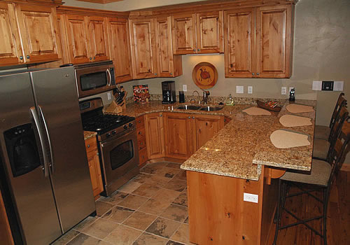 http://utahlodging.com/custimages/LSV_62Kitchen.jpg